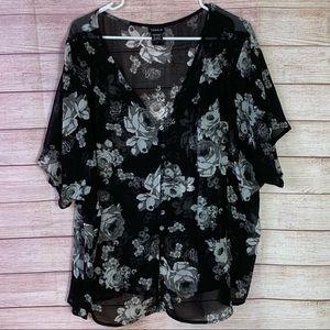 Torrid Women's Floral Short Sleeve Blouse Sz2/18